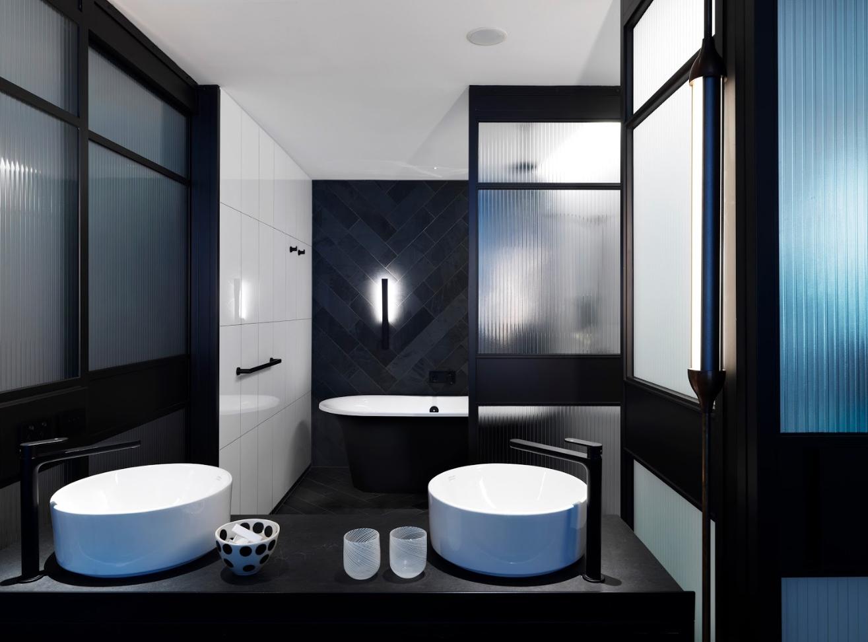 Victoria albert monaco bath in the new qt melbourne for Bathroom spa baths melbourne